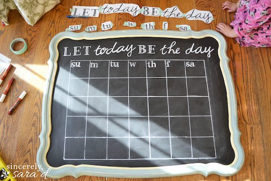 How to make a chalkboard calendar