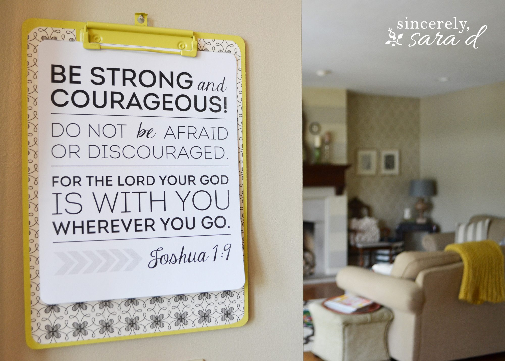 DIY Clipboard and Free Joshua 1:9 Printable
