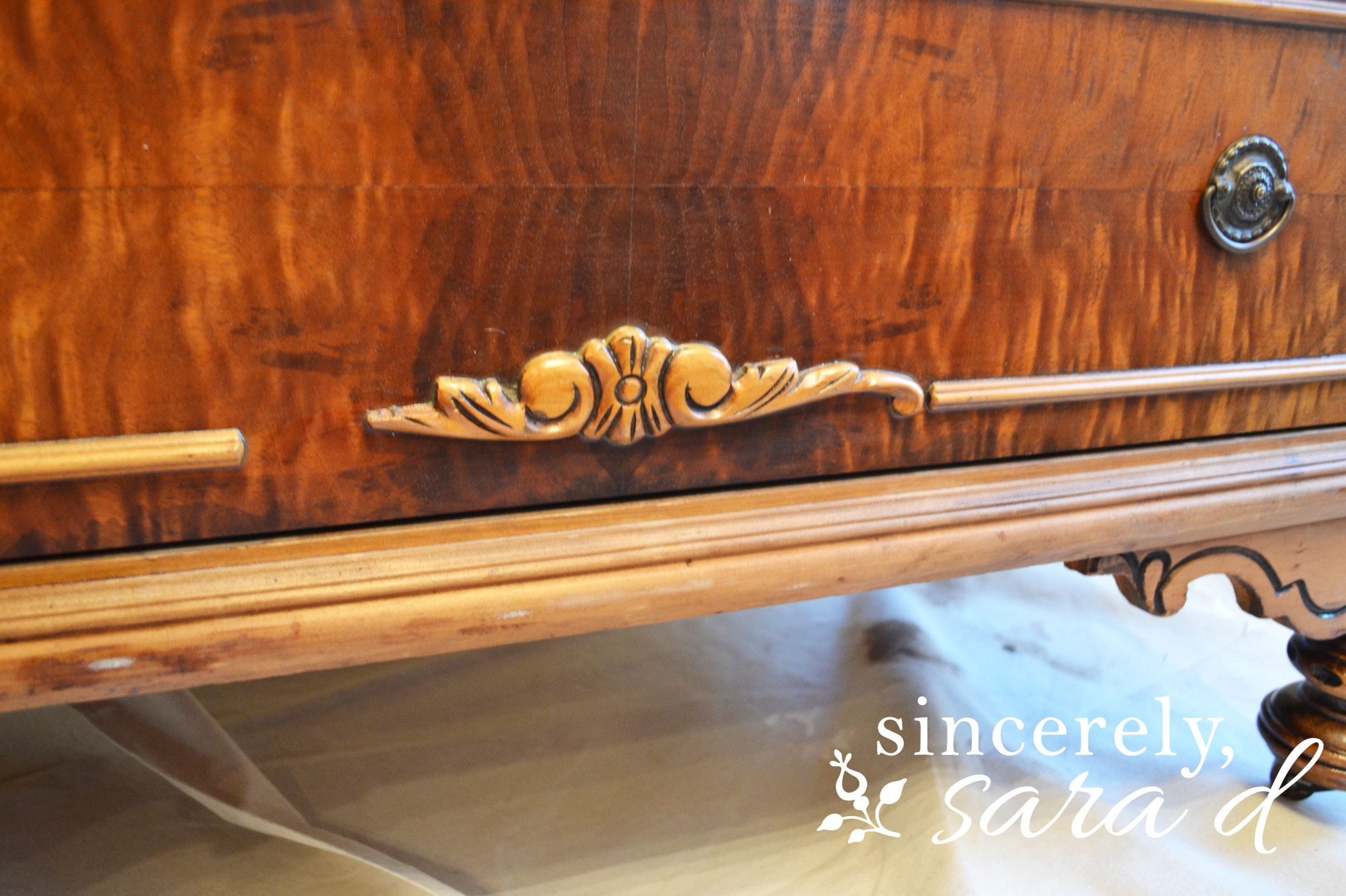 Dresser(1)