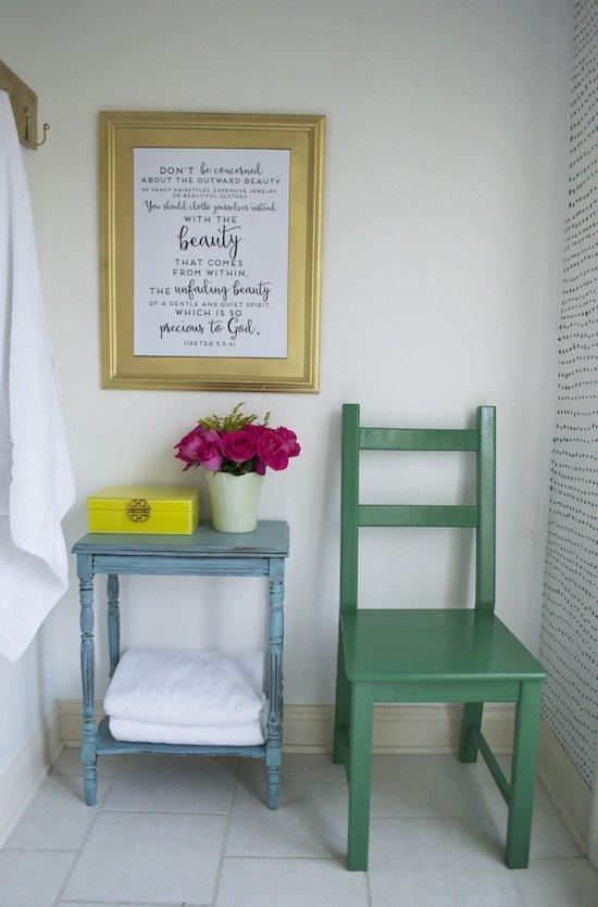 Color bathroom Decor