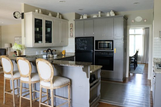Painting Kitchen Cabinets – ALL DONE!