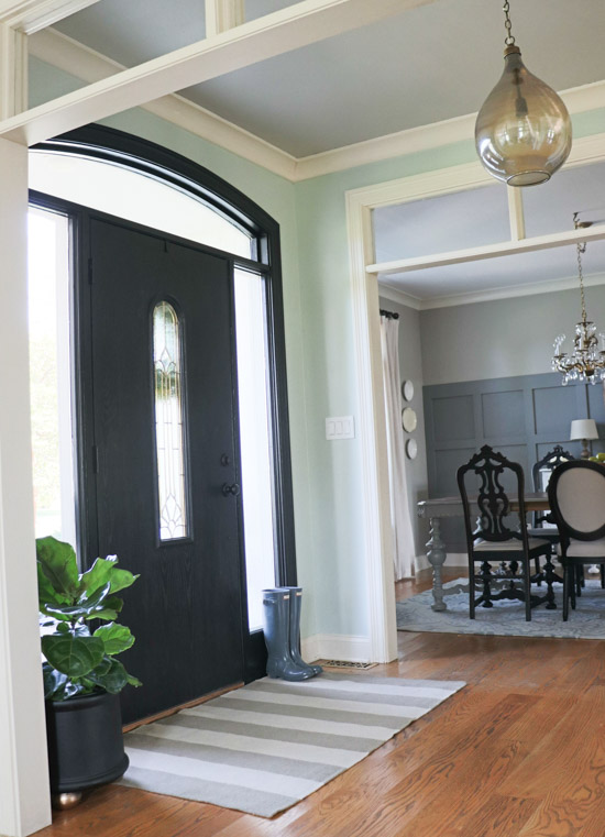 How to paint trim black (1 of 1)