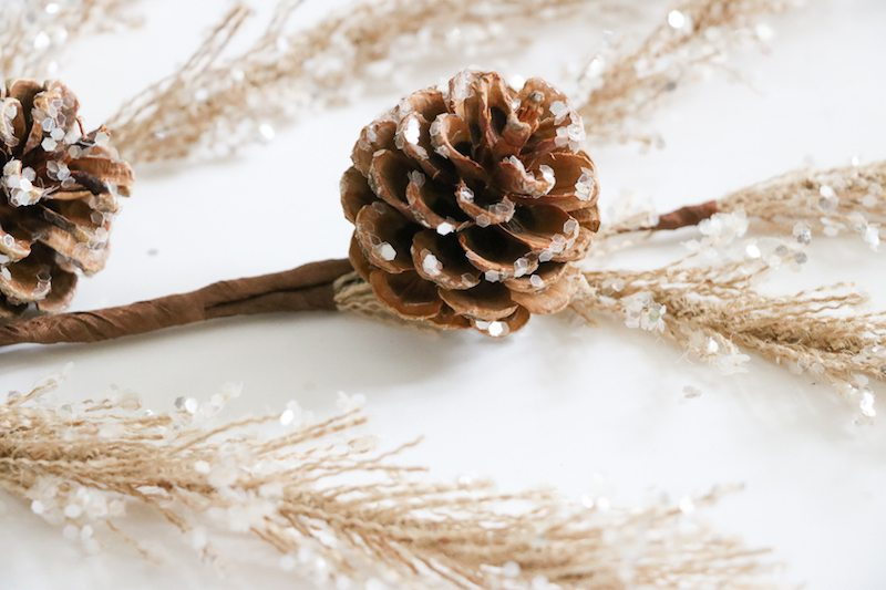 balsam-hill-pretty-christmas-decor