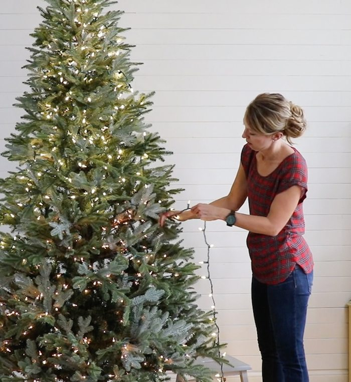 tutorial for adding lights to a christmas tree - Best Way To String Lights On A Christmas Tree