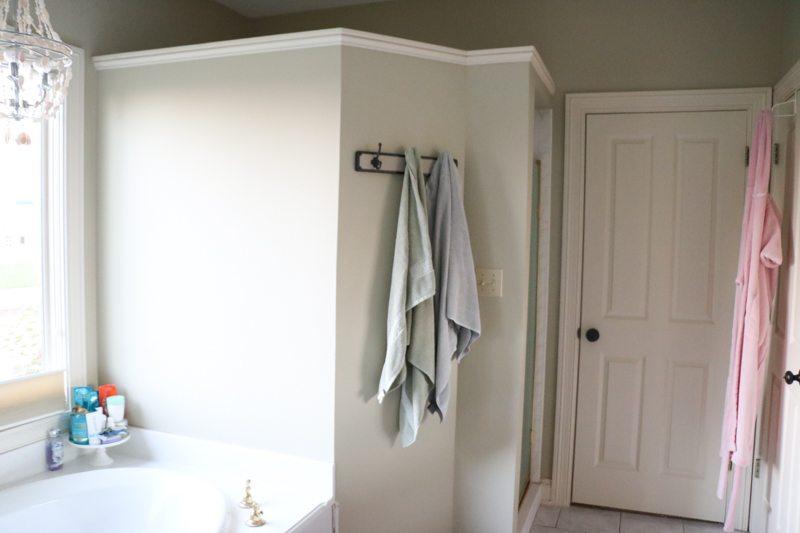 bathroom-remodel-before-sincerely-sara-d-1-4