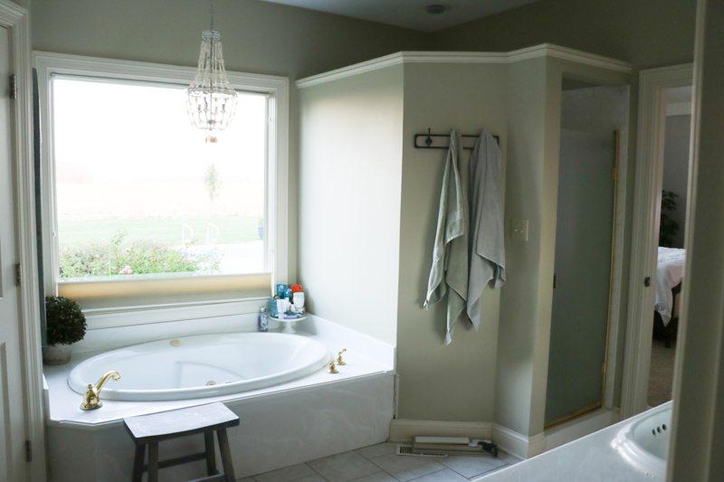 bathroom-remodel-before-sincerely-sara-d-1