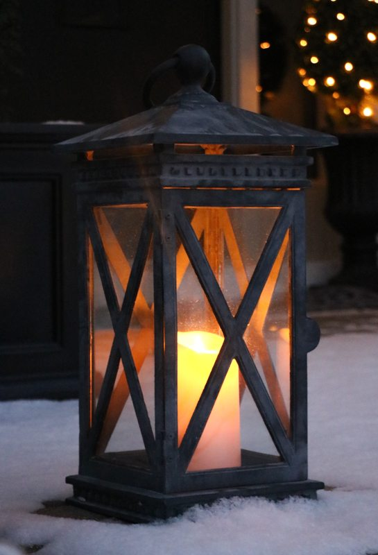 winter-decor-with-balsam-hill-2
