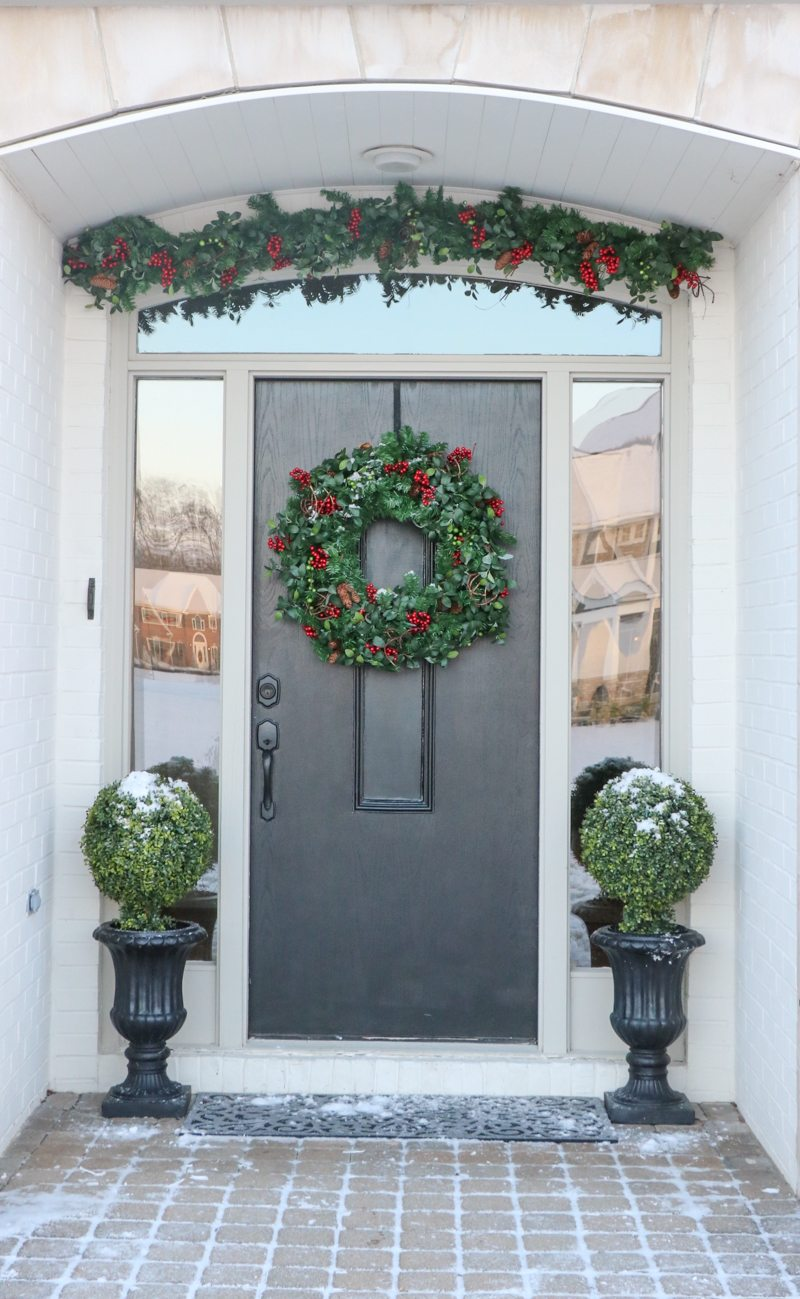 winter-decor-with-balsam-hill-5