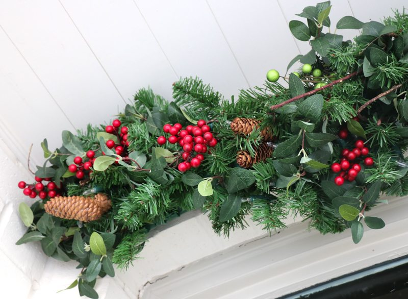 winter-decor-with-balsam-hill_-4
