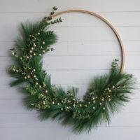 Easy DIY Hoop Christmas Wreath
