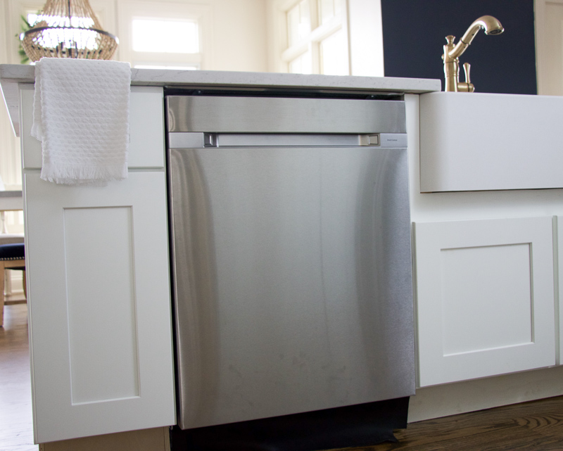 After Researching Dishwashers, We Selected The Samsung 24 Inch Top Control  Dishwasher In Stainless Steel With Stainless Steel Tub And Waterfall Wash  System.
