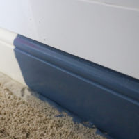 How to Paint Baseboards on Carpet